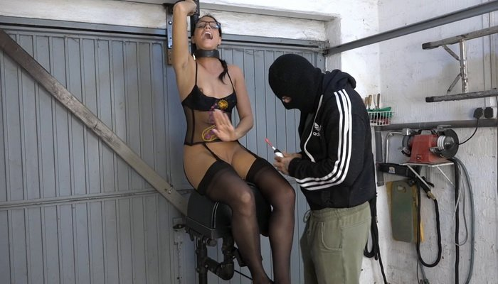 Christy Ley at Sybian for the First Time