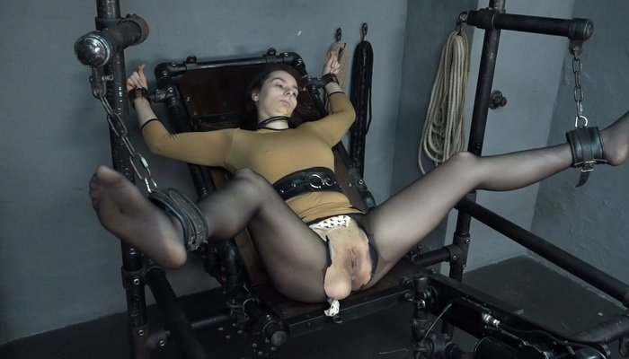 Bound Aiyana and Cupping on the Fucking Machine