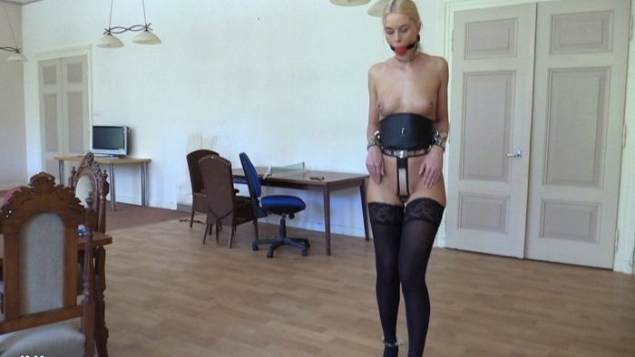 Training Rounds Ankle Cuffed in High Heels