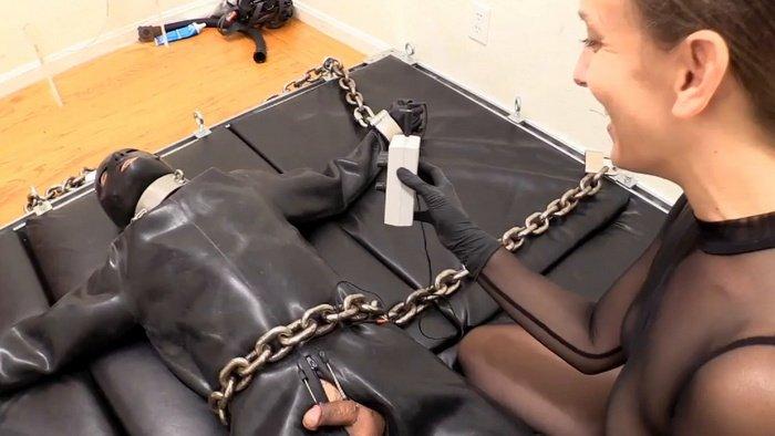 Elise Torture Kino Heavy Rubber Heavy Metal