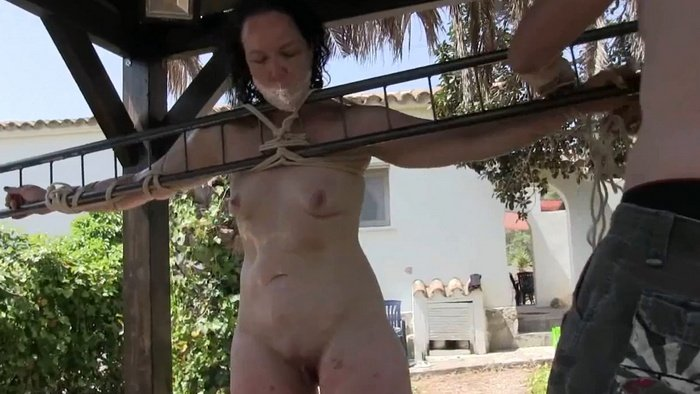 Tied Outdoor Punishment for Slave Bettine and Minuit