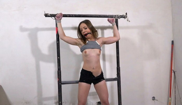 Lillith Sweet tried to escape from tied heavy rack bondage