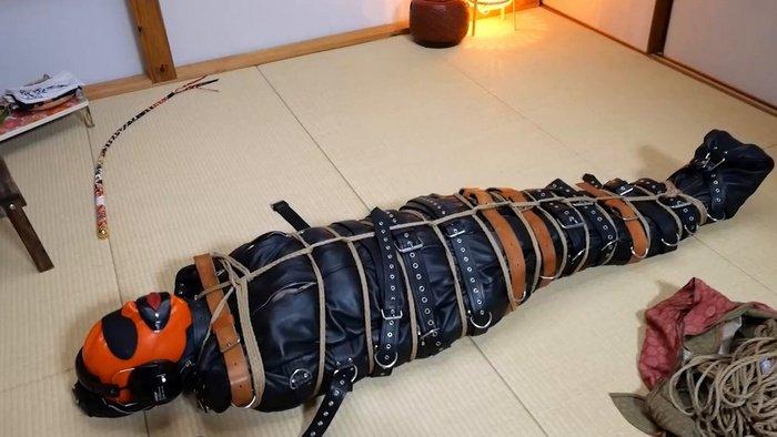 Hitachi vibrator and Face Sitting Hinako's big ass