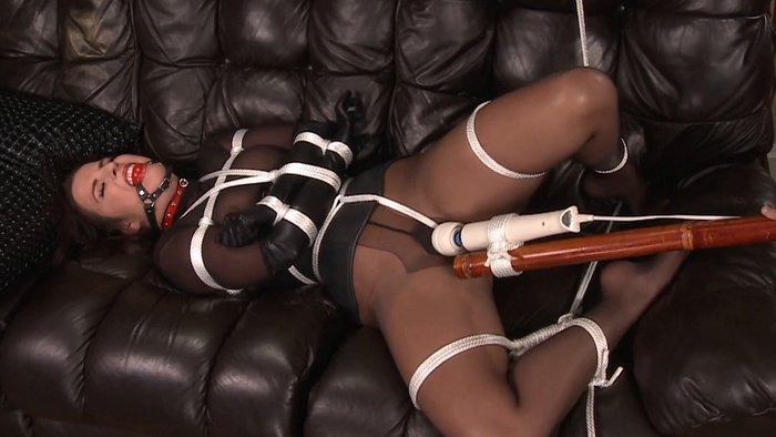 Kobe tied and helpless in trapped in lust. wmbcv-1015