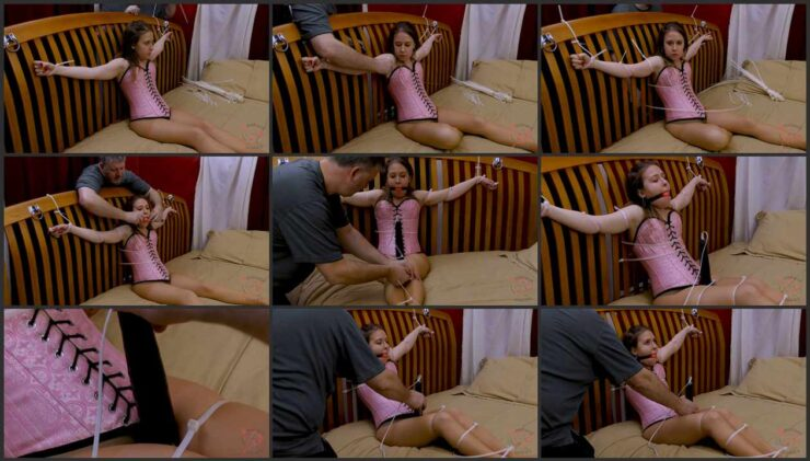 Brooke and struggling orgasms with a magic wand