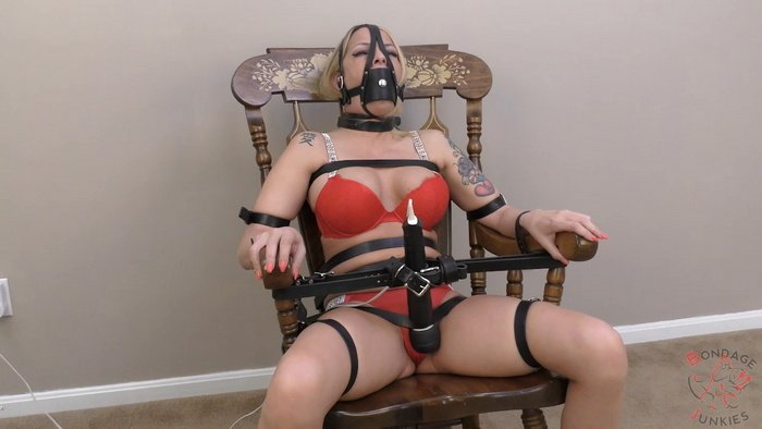 Bella is strapped to a chair and tries to cum in 90 seconds