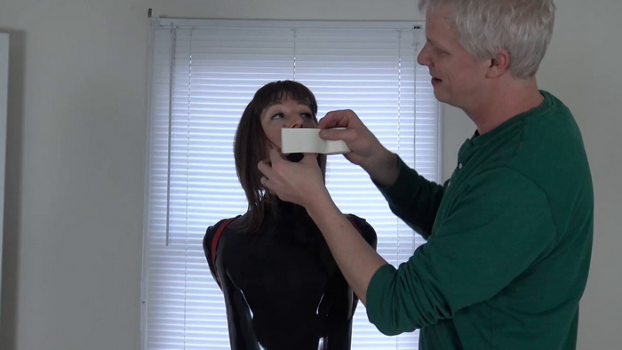AJ in latex and high heels into the strict tie