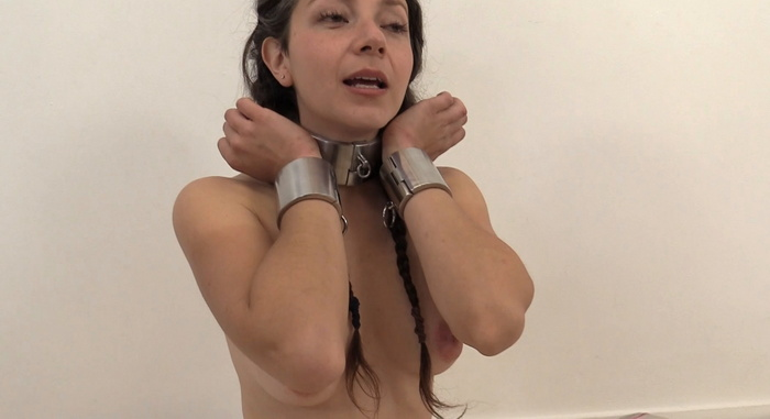 New cuffs for Anahí in red My-Steel belt